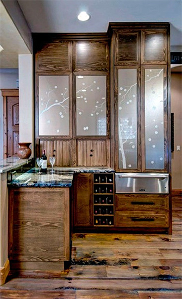 Wynn Interiors - Custom glass doors on cabinetry